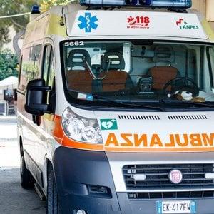 Incidente sul lavoro nel Ravennate: operaio precipita da otto metri e muore