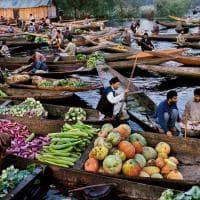 Uomini, luoghi, cibo: a Forlì l'umanità secondo Steve McCurry