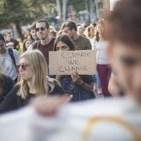 Friday for future, la passeggiata ecologica nel centro di Bologna nel segno di Greta