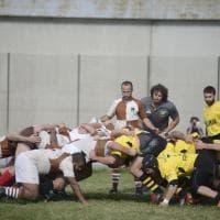 Sfida di rugby nel carcere di Bologna, l'arbitro è Mauro Bergamasco