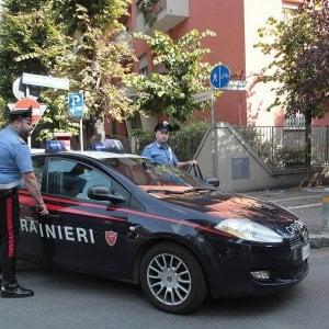 Reggio Emilia, botte e abusi in famiglia: 12enne salva la madre denunciando il padre al 112