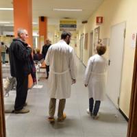 Modena, 12 medici indagati per la morte in ospedale di una 22enne