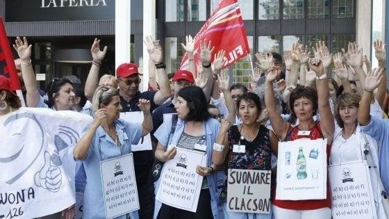Entrada conformidad Virgen  Bologna, c'è l'accordo per le lavoratrici de La Perla - la Repubblica
