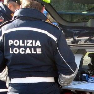 Bologna, quindicenne travolta da uno scooter in pieno centro