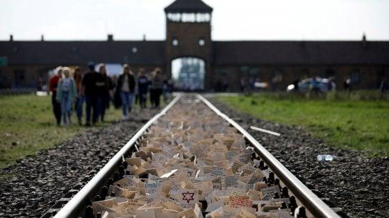 """""""Il Treno della Memoria è di parte"""", il Comune di Predappio nega i fondi per la visita ad Auschwitz"""