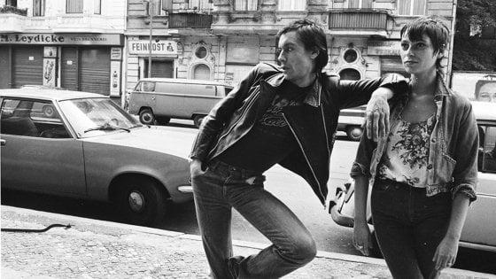 Iggy Pop, David Bowie e Berlino sullo sfondo: a Bologna i ritratti di Esther Friedman