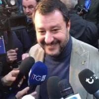 Salvini al Paladozza di Bologna, collettivi in corteo e