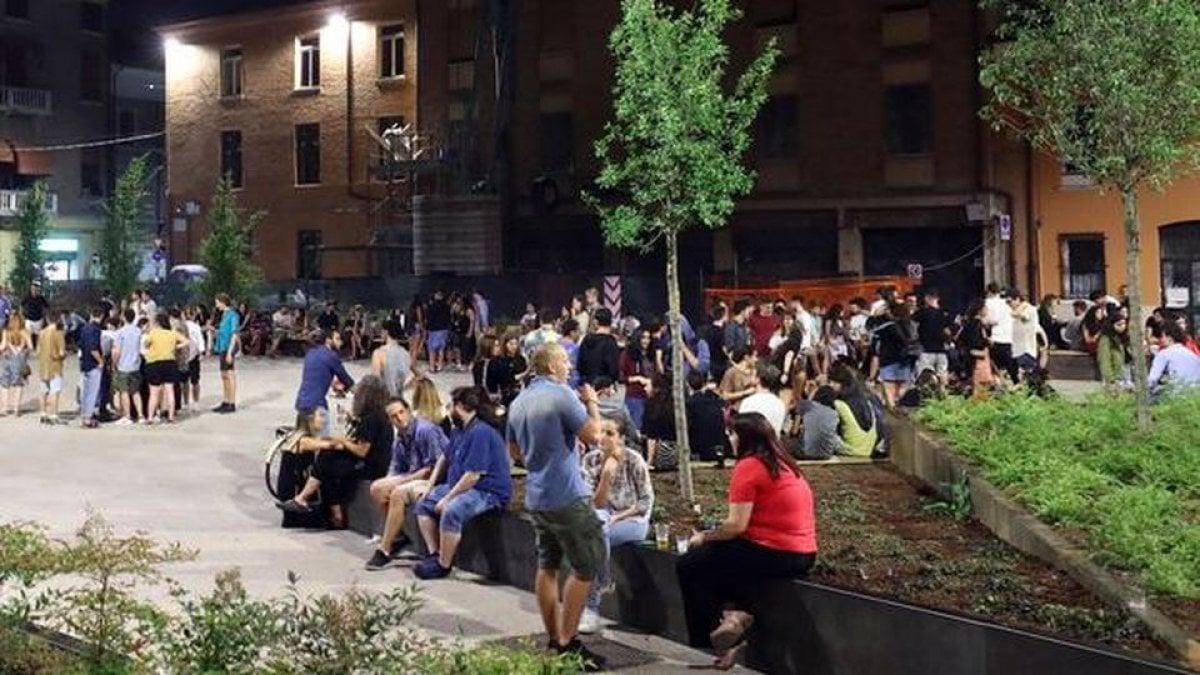 """La barriera """"anti-movida"""" che divide Ferrara: anche la destra contro la giunta leghista - La Repubblica"""