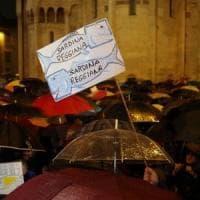 """Le """"sardine"""" contro Matteo Salvini si moltiplicano in Emilia e in tutta Italia, da Torino..."""
