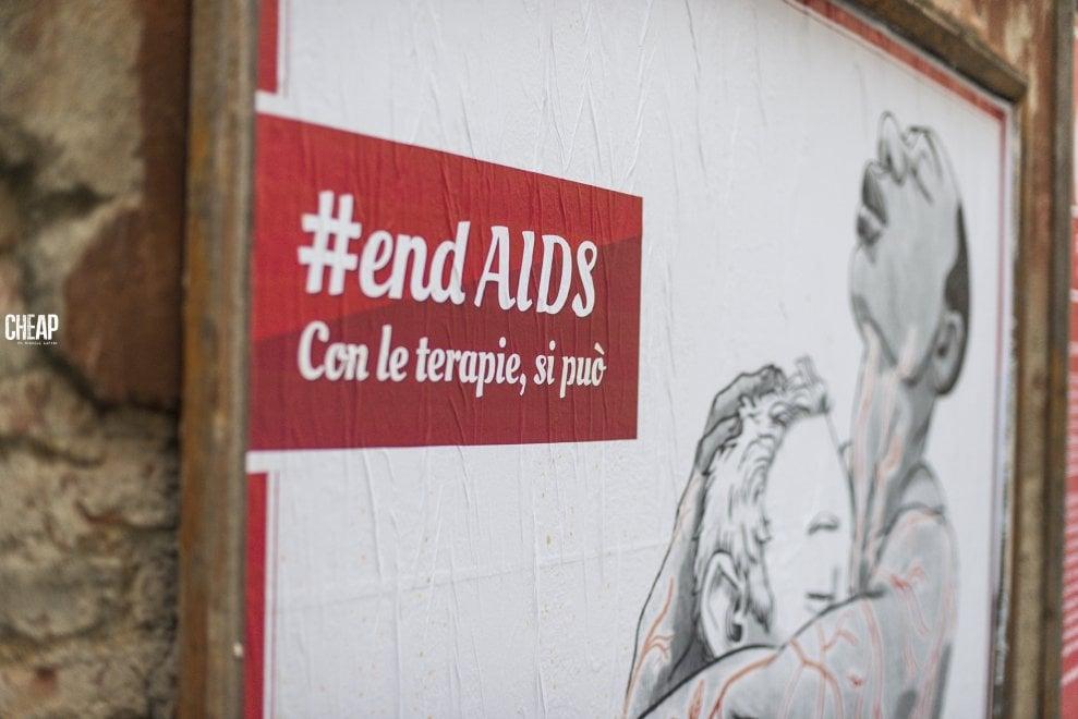 #endAids, battere l'Aids si può, insieme: poster a Bologna tra prevenzione e lotta alla disinformazione