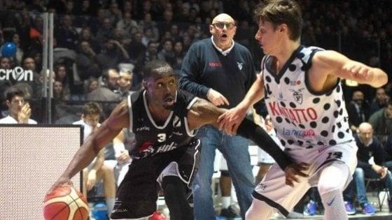 Basket Bologna, i sindacati di polizia contro il derby il 25 dicembre: rinviatelo