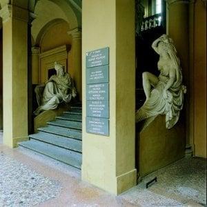 Bologna, si fa chiudere nella Facoltà per rubare i soldi dalle macchinette. Ma non riesce più a uscire