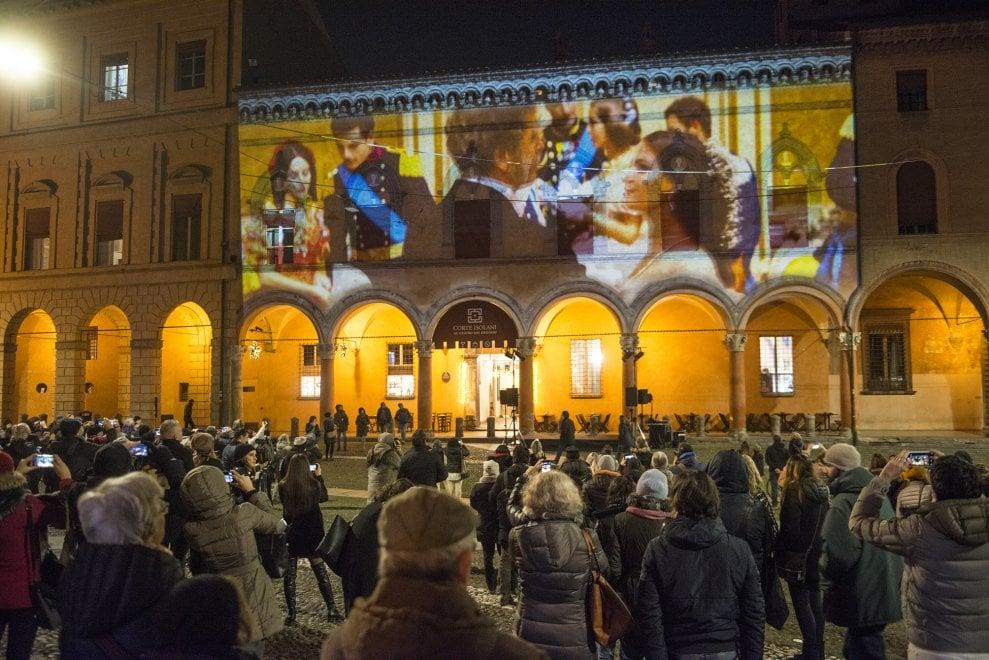 A Bologna il cinema balla sui palazzi storici