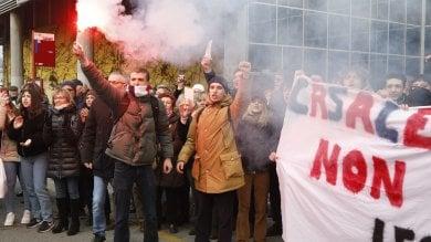 """La protesta: """"Casalecchio non si lega""""   Vd"""