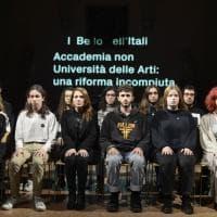 Bologna, la protesta dell'Accademia di Belle Arti nella notte bianca di Arte Fiera