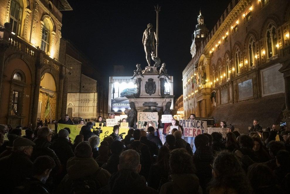 """""""Patrick Kazy, ti aspettiamo a Bologna"""": terzo presidio per lo studente arrestato in Egitto"""