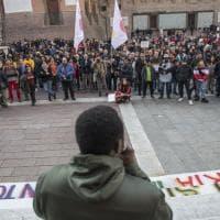 """A Bologna migranti in corteo: """"Basta razzismo per zittirci. Siamo libertà in movimento"""""""