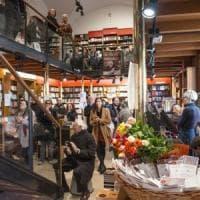 Poeti e lettori in festa con i versi alla libreria Zanichelli di Bologna