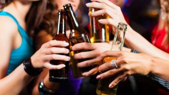 Bologna, 6 accessi al giorno al pronto soccorso per eccesso di alcol