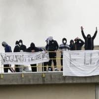 Rivolta anche nel carcere di Bologna, feriti fra detenuti e forze dell'ordine