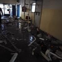 Bologna, il carcere devastato dopo la rivolta dei detenuti