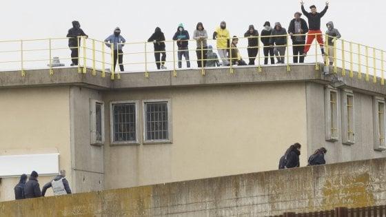 Rivolta nel carcere di Bologna: morto un detenuto