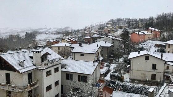 La neve in Appennino bolognese. Domani potrebbe arrivare in pianura