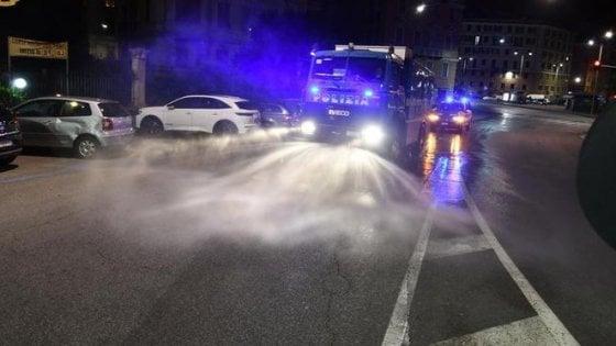 """Coronavirus, a Rimini orge in strada e offese alla polizia: """"Ecco la nostra quarantena"""". Denunciato trio hard"""