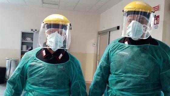 Bologna, è incinta e si rifiuta di fare il tampone del coronavirus: in corsia arrivano i carabinieri