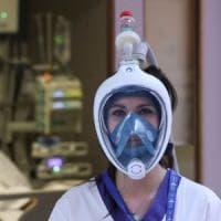 Coronavirus, a Bologna la Protezione civile raccoglie le maschere da snorkeling