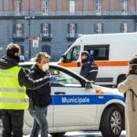 Fano, infermiera in quarantena va a passeggio con la famiglia: denunciata