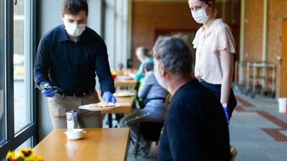 Coronavirus, le Sardine propongono il prestito di solidarietà