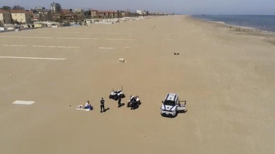 """La sindaca di Riccione: """"Da metà giugno spiagge riaperte, ma a numero chiuso"""""""