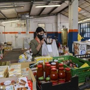 """Coronavirus, nel Ravennate colletta dei migranti per le famiglie in difficoltà: """"Italiani, ci sentiamo vostri figli"""""""