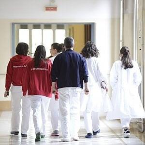 Coronavirus, il bollettino di domenica 17: cinquanta  nuovi contagi ma ancora 13 morti