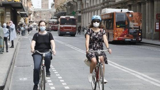 """Emilia-Romagna, per la fase 3 arriva il """"bike to work"""": fino a 50 euro al mese se vai al lavoro in bici"""