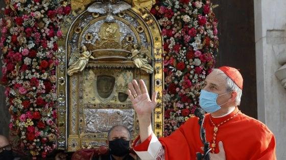 Bologna, Zuppi celebra la messa coi parenti delle vittime Covid
