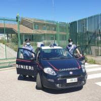 Bologna, sfregia la moglie con un coltello rovente: arrestato