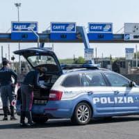 Migranti nascosti in un camion scoperti nel Piacentino, tre minori