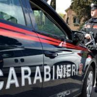 Bologna, nasconde droga nel biberon del figlio: arrestata