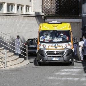 Ravenna, muore sul lavoro a 38 anni: schiacciato da una pressa