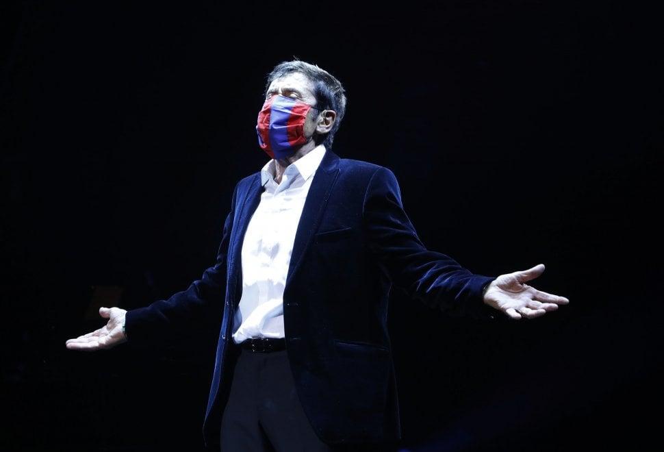 Gianni Morandi torna al Duse: il fotoracconto di una serata speciale