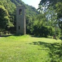 Drive-in nel verde in Appennino bolognese. In auto, o col plaid