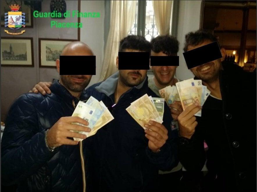 "L'inchiesta che travolge una caserma di Piacenza: ""Arresti illegali e tortura"", sei carabinieri arrestati"
