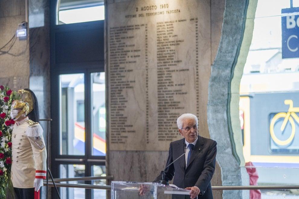 La giornata di Mattarella a Bologna: il ricordo delle stragi del 1980