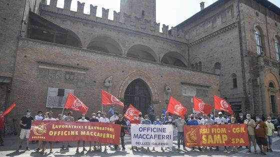 Bologna, in piazza la protesta dei lavoratori Maccaferri