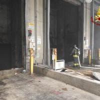 Bologna, incendio all'impianto di smaltimento rifiuti del Frullo