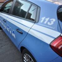 Piacenza, bimba di tre anni soccorsa nella piscina di casa: muore in ospedale