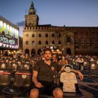 La sagoma di Patrick Zaky anche al cinema sotto le stelle a Bologna