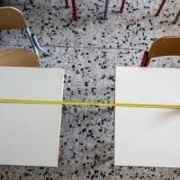 Scuola Bologna, il Comune non aspetta il ministero. E compra 1.930 banchi